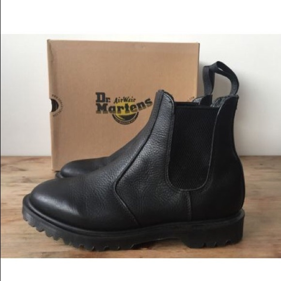 2976 Inuck Dr Martens Chelsea Boot
